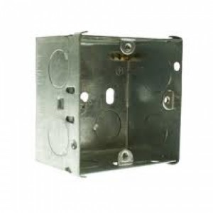 1 Gang 47mm Galvanised Flush Box C/W Knockouts DB167